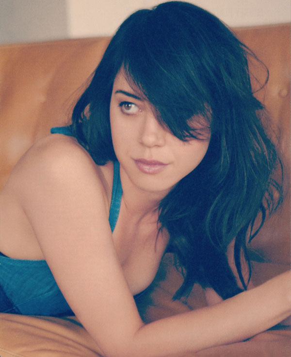 Aubrey Plaza sexiest pictures from her hottest photo shoots. (25)