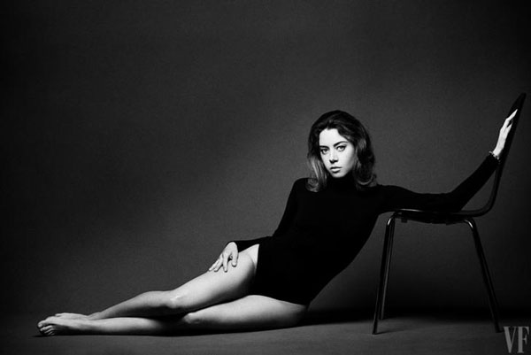 Aubrey Plaza sexiest pictures from her hottest photo shoots. (21)