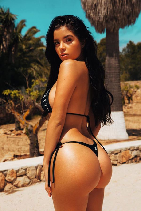 Demi Rose Mawby sexiest pictures from her hottest photo shoots. (41)