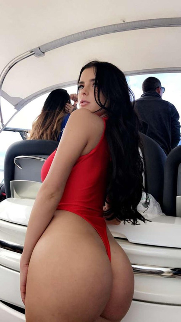 Demi Rose Mawby sexiest pictures from her hottest photo shoots. (35)