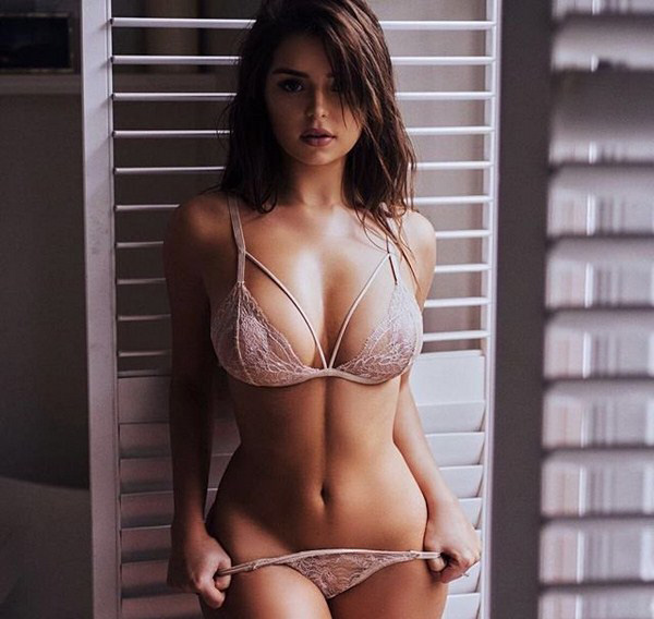 Demi Rose Mawby sexiest pictures from her hottest photo shoots. (33)
