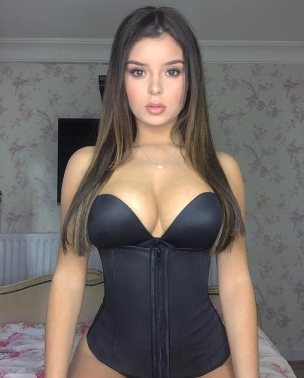 Demi Rose Mawby sexiest pictures from her hottest photo shoots. (3)