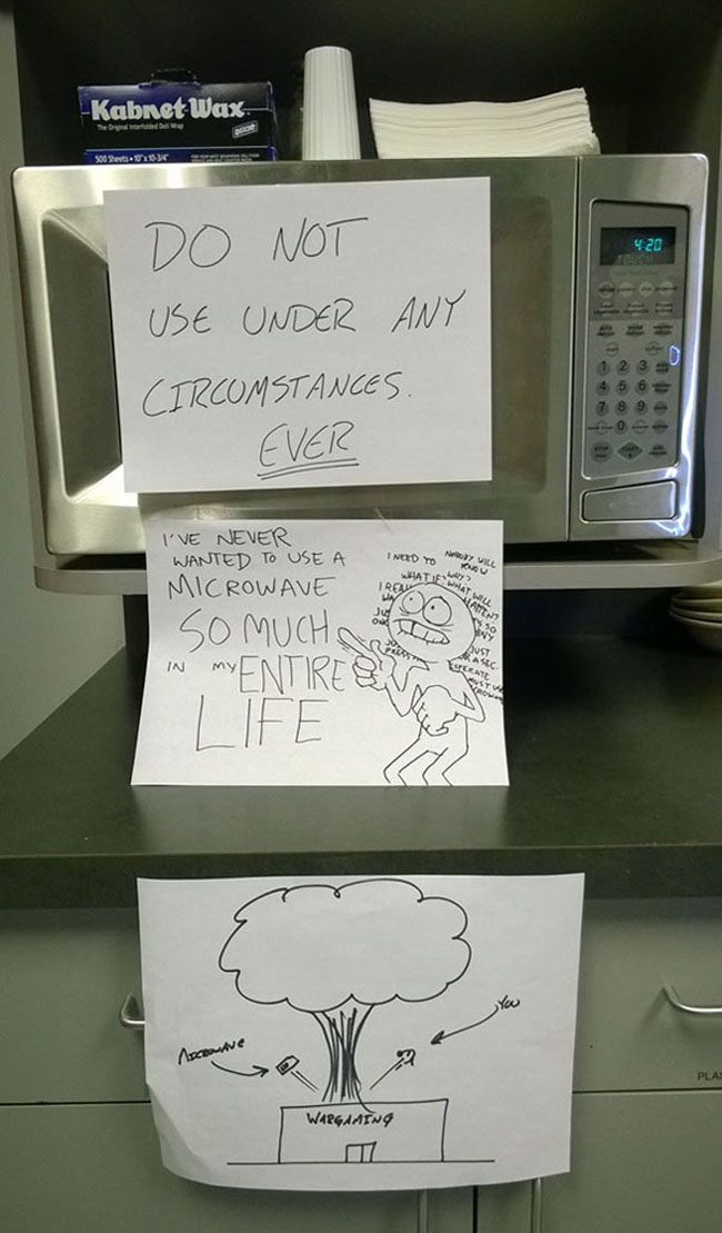 Funny passive aggressive office notes. (16)