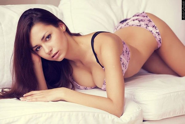 Helga Lovekaty sexiest pictures from her hottest photo shoots. (34)