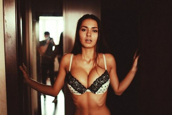Helga Lovekaty sexiest pictures from her hottest photo shoots. (23)