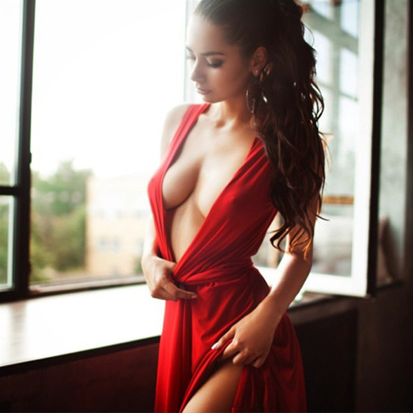 Helga Lovekaty sexiest pictures from her hottest photo shoots. (19)