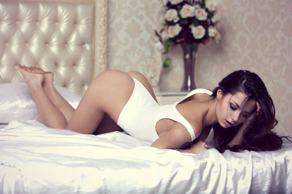 Helga Lovekaty sexiest pictures from her hottest photo shoots. (12)