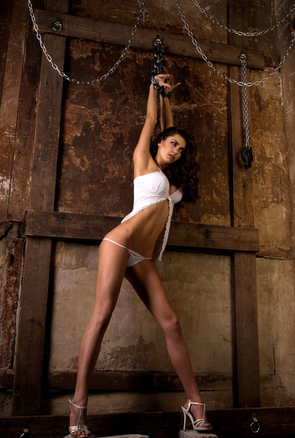 Helga Lovekaty sexiest pictures from her hottest photo shoots. (10)