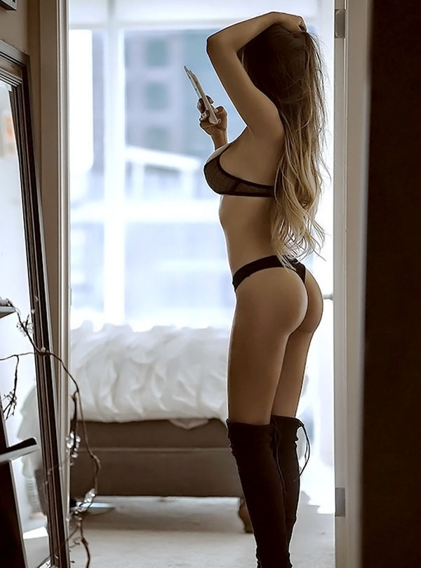 Juli Annee sexiest pictures from her hottest photo shoots. (3)