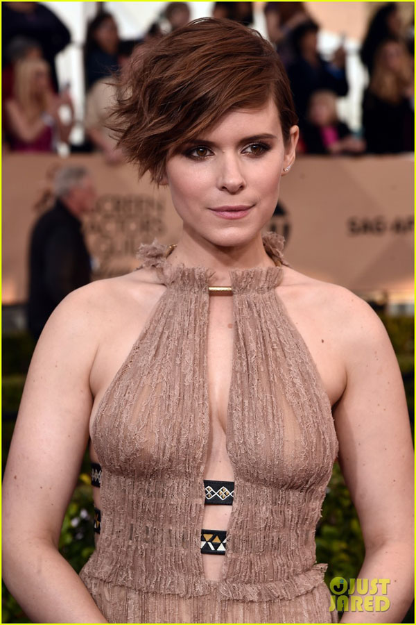 Kate Mara sexiest pictures from her hottest photo shoots. (22)
