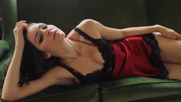 Katharine McPhee sexiest pictures from her hottest photo shoots. (24)