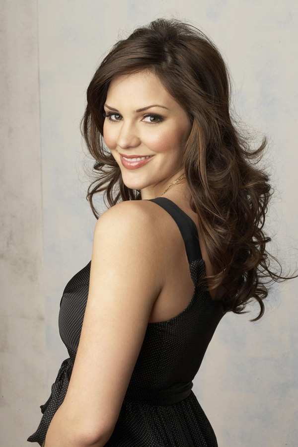 Katharine McPhee sexiest pictures from her hottest photo shoots. (15)