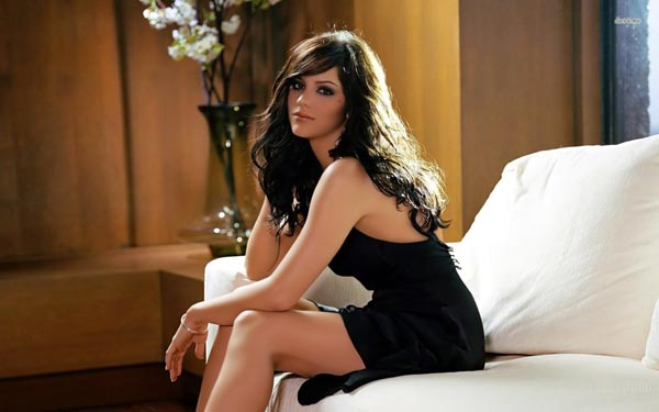 Katharine McPhee sexiest pictures from her hottest photo shoots. (7)