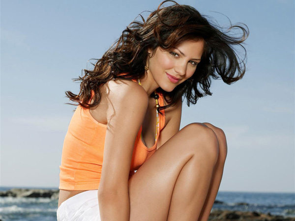 Katharine McPhee sexiest pictures from her hottest photo shoots. (2)