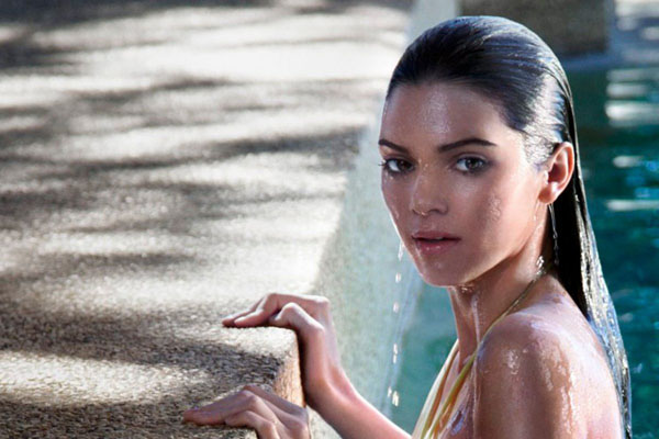 Kendall Jenner sexiest pictures from her hottest photo shoots. (6)