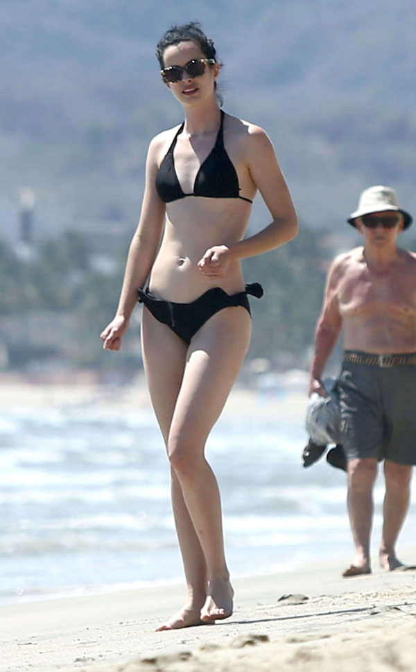 Krysten Ritter Hottest Photos | 33 Sexy Near-Nude pictures ...