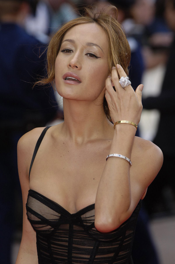 Maggie Q sexiest pictures from her hottest photo shoots. (9)