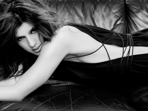 Marisa Tomei sexiest pictures from her hottest photo shoots. (21)