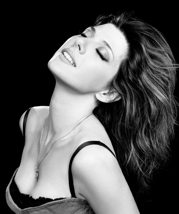 Marisa Tomei sexiest pictures from her hottest photo shoots. (1)