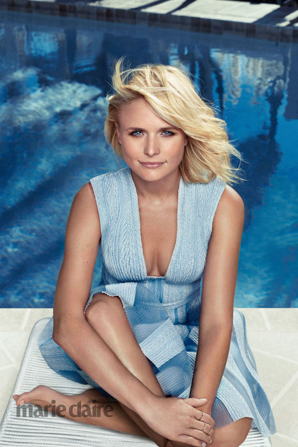 Miranda Lambert sexiest pictures from her hottest photo shoots. (29)