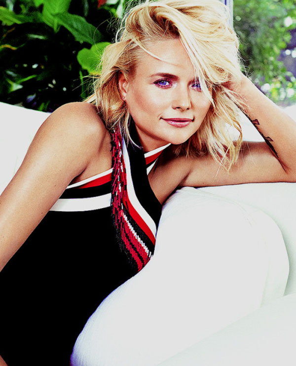 Miranda Lambert sexiest pictures from her hottest photo shoots. (19)