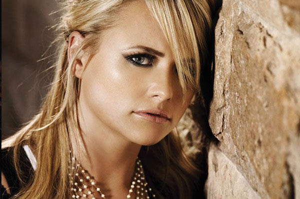 Miranda Lambert sexiest pictures from her hottest photo shoots. (16)