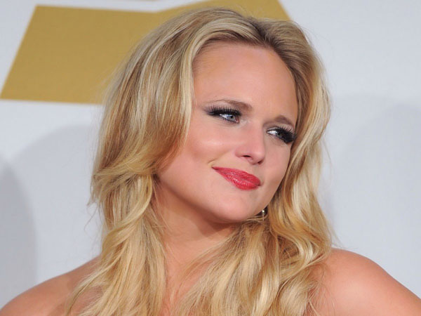 Miranda Lambert sexiest pictures from her hottest photo shoots. (7)