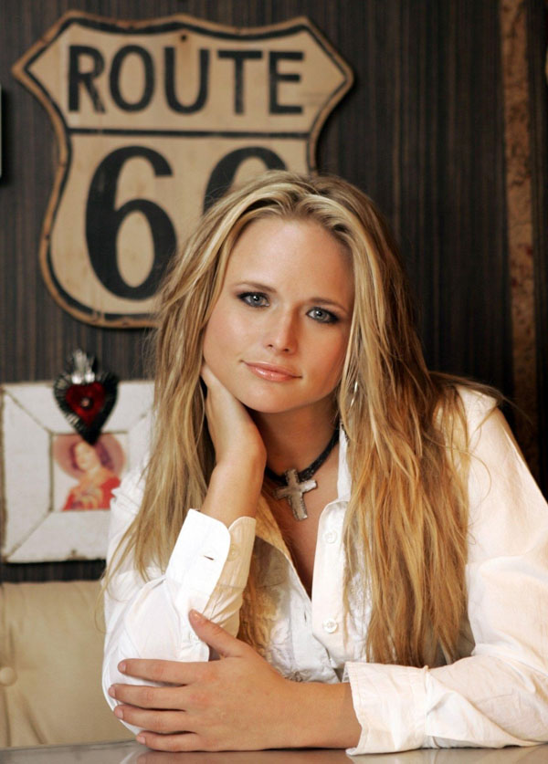 Miranda Lambert sexiest pictures from her hottest photo shoots. (5)