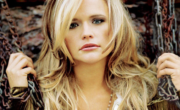 Miranda Lambert sexiest pictures from her hottest photo shoots. (1)