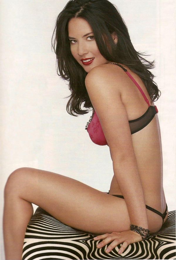 Olivia Munn sexiest pictures from her hottest photo shoots. (32)