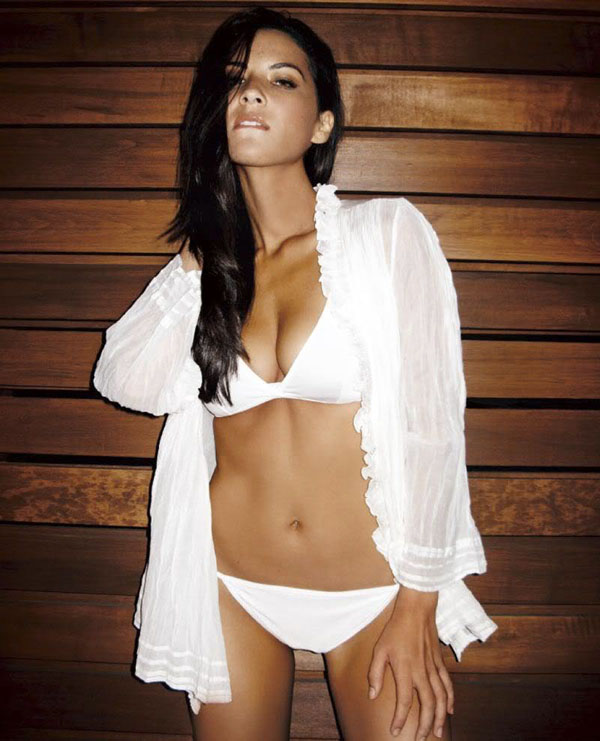 Olivia Munn sexiest pictures from her hottest photo shoots. (12)