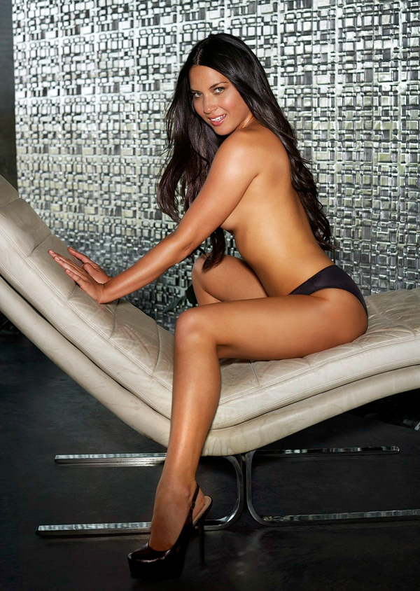 Olivia Munn sexiest pictures from her hottest photo shoots. (4)