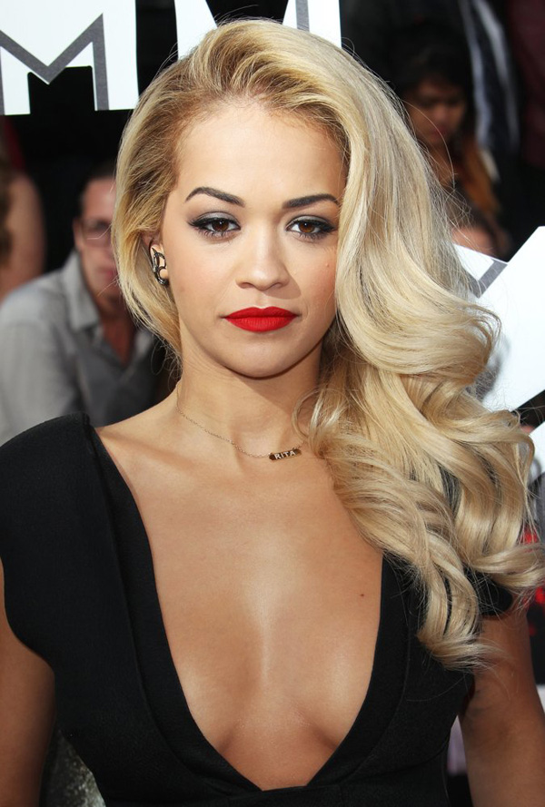 Rita Ora sexiest pictures from her hottest photo shoots. (7)