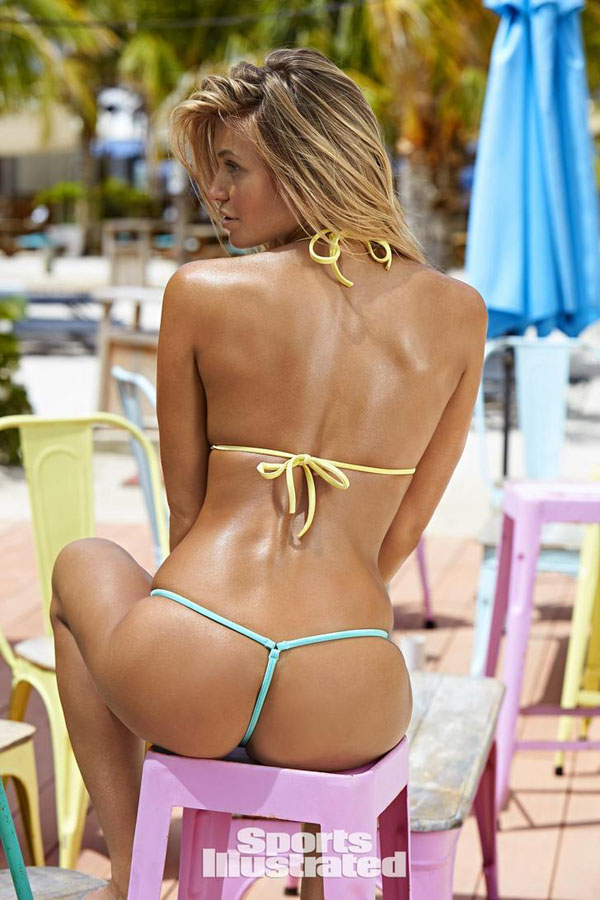 Samantha Hoopes sexiest pictures from her hottest photo shoots. (41)
