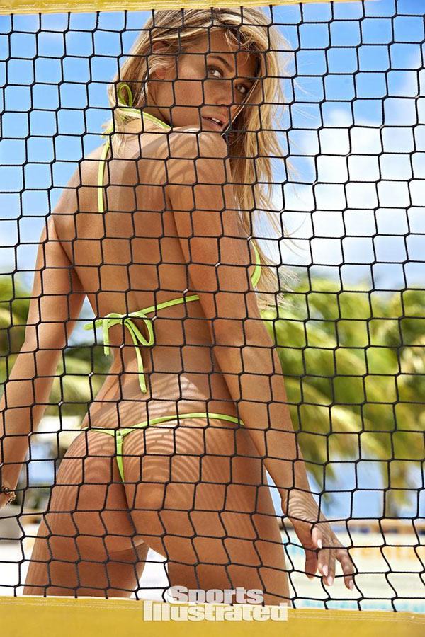 Samantha Hoopes sexiest pictures from her hottest photo shoots. (35)