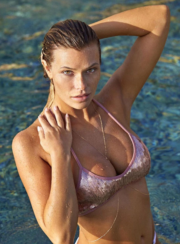 Samantha Hoopes sexiest pictures from her hottest photo shoots. (31)