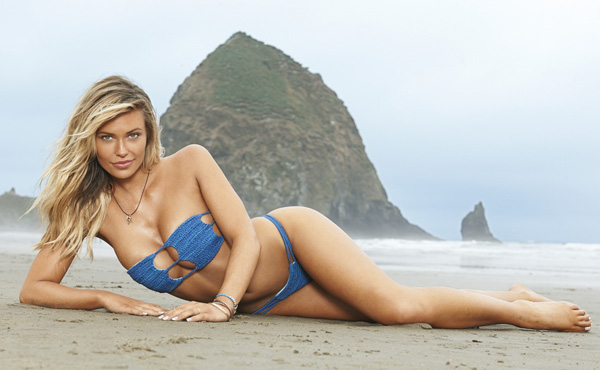 Samantha Hoopes sexiest pictures from her hottest photo shoots. (25)
