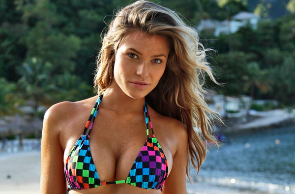 Samantha Hoopes sexiest pictures from her hottest photo shoots. (21)