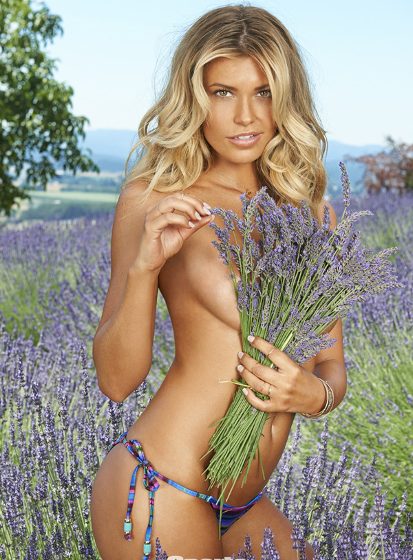 Samantha Hoopes sexiest pictures from her hottest photo shoots. (11)