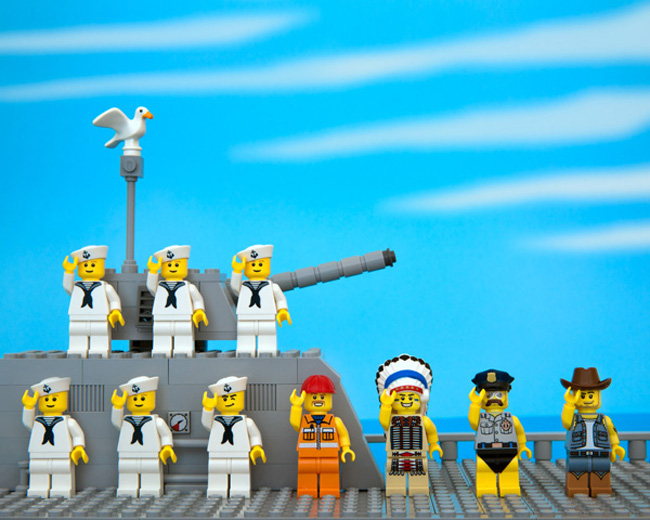 State stereotypes in LEGO form. (5)