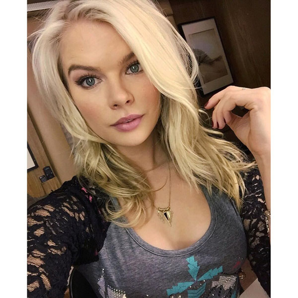 Kelli Goss sexiest pictures from her hottest photo shoots. (16)