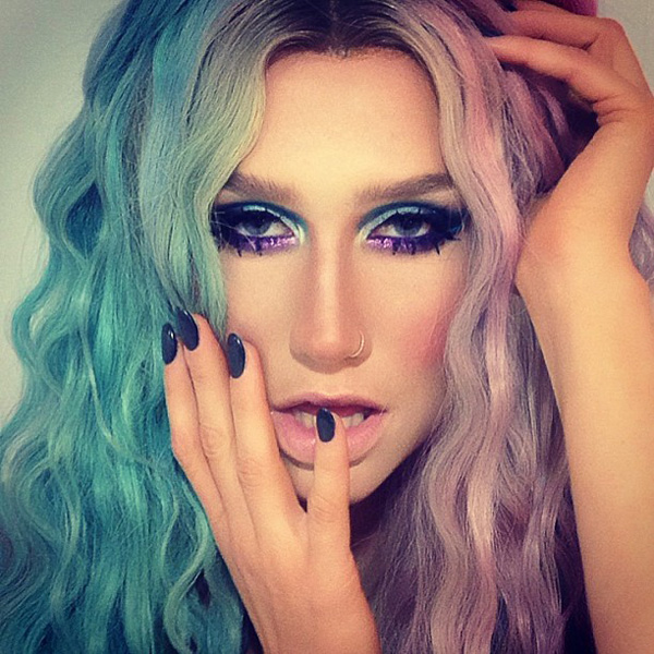 Kesha sexiest pictures from her hottest photo shoots. (22)