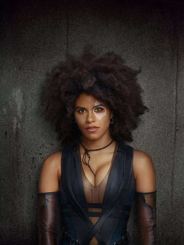 Zazie Beetz sexiest pictures from her hottest photo shoots. (16)