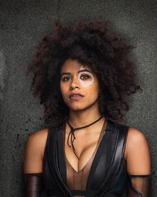 Zazie Beetz sexiest pictures from her hottest photo shoots. (11)