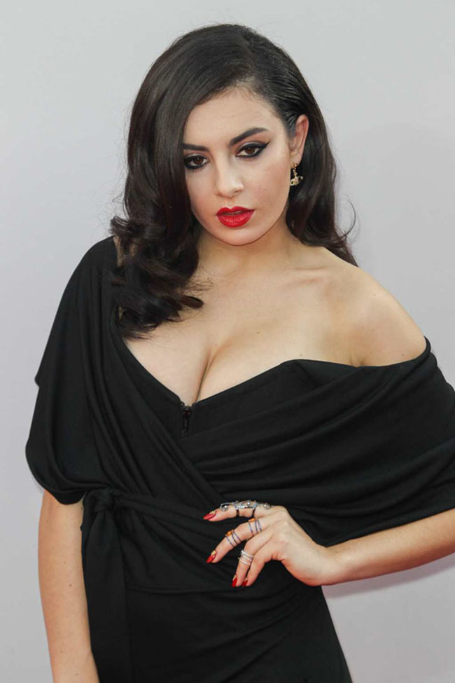 charli xcx sexiest pictures from her hottest photo shoots. (8)