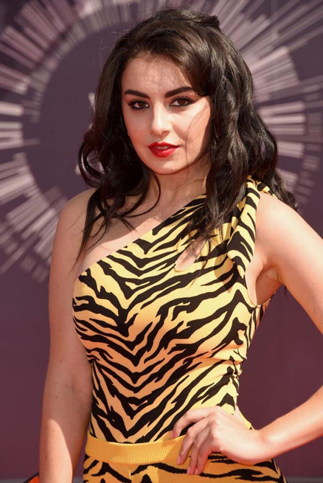 charli xcx sexiest pictures from her hottest photo shoots. (7)