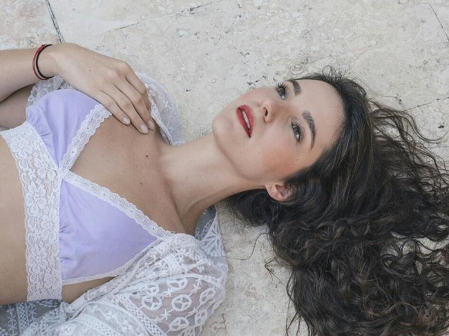 These Carla Baratta pictures are her hottest photos ever. We found sexy images, GIFs (videos,) & wallpapers from various bikini and/or lingerie photo shoots.