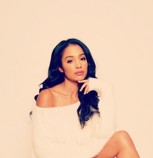 Erinn Westbrook sexiest pictures from her hottest photo shoots. (22)
