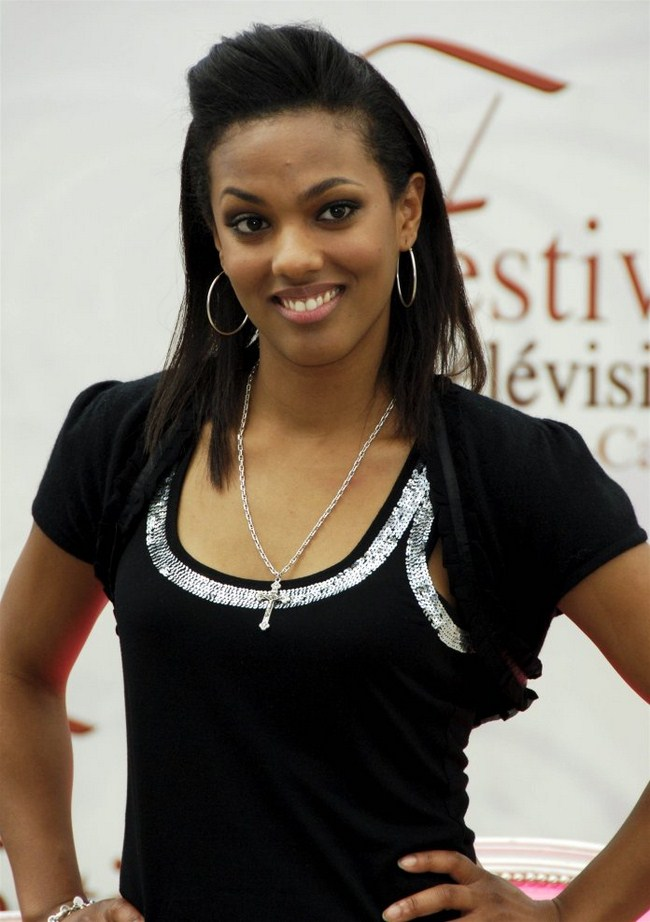 Freema Agyeman sexiest pictures from her hottest photo shoots. (40)