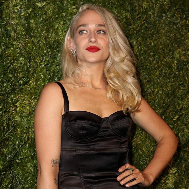 Jemima Kirke sexiest pictures from her hottest photo shoots. (9)